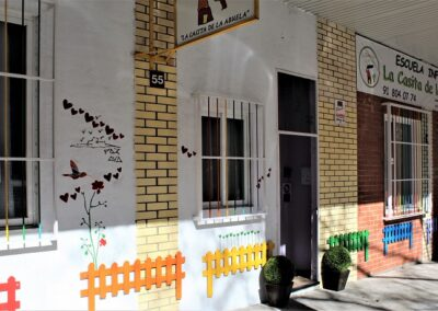 fachada escuela preescolar en tres cantos